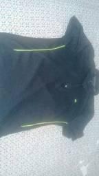 Vendo 4 blusas de academia originais e comprada cada a 69.90 vendo hoje