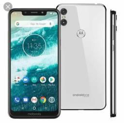 Celular Motorola one comprar usado  Cubatão