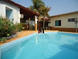 Alugamos linda casa com piscina com 4 quartos proximo ao Center Norte