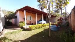 Casa com 4 Qtos, Suite, Toda na Laje, Lote com 800 metros, Bairro Vila Nova