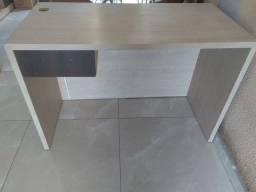 Mesa de escritorio feito em Mdf duplo