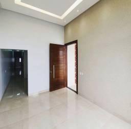 Casa 2 QT. sendo 1 suíte  R$ ENT. 20,000 + PARCELAS.