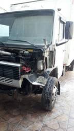 Latarias pinturas reformas caminhões ônibus tratores utilitários em geral