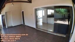 Luxuosa casa para venda no Setor Jaó, 4 Suítes, Goiânia