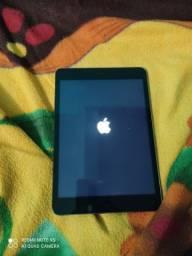 iPad mini 64 gagas sem os assessórios...