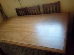 Vende-se esta mesa