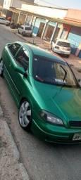 Carro Astra