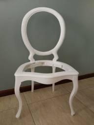 Cadeira medalhão antiga laca nova branca