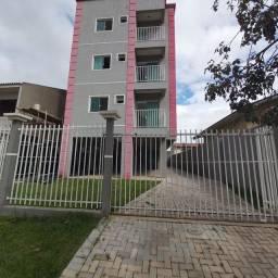 _/ Excelente Apartamento,02qts, sacada, vaga coberta, piso, 5min terminal