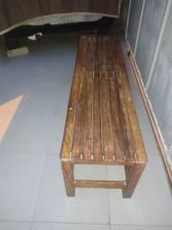 Banco de madeira macissa