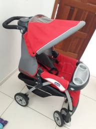 Vendo carrinho de bebê+bebe conforto+base para carro Chicco Vermelho e Cinza R$750 reais