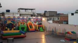 Título do anúncio: Brinquedos inflavéis, pula pula, tobogã, futebol de sabão e ainda temos vagas para dia 12!