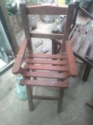 Cadeira de madeira forte