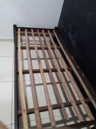 """Cama de madeira """"SOLTEIRÃO"""""""