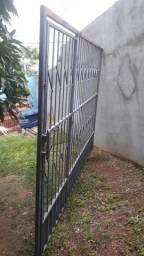 Portão bem conservado