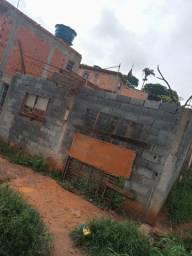 Casa em construcao com terreno