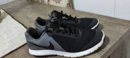 Título do anúncio: Tênis Nike original 37 ótimo!!!!