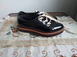 Sapato de verniz, tamanho 36