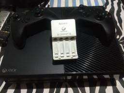 Xbox One 1TB (Não aceito trocas)