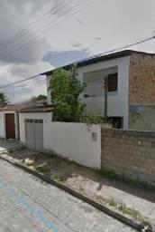 Título do anúncio: Casa de primeiro andar no bairro do Santos Dumont - Maceió - AL