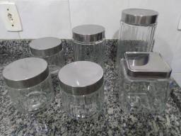 Conjunto de seis potes de vidro