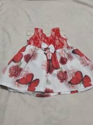 Itens Infantis - Bota; sandália; vestido.