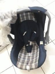 Bebê Conforto - Cadeirinha, marca Tutti Baby, ajustável - ótimo estado