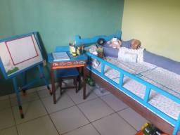 Mesa+lousa+cama solteirão+colchão