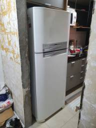 Geladeira Electrolux 402L Frost Free