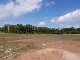 Vende-se um Terreno em Condomínio Fechado