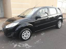 Fiesta 1.6 2014 Completo com AIR BAG E ABS Financia 100% - 2014