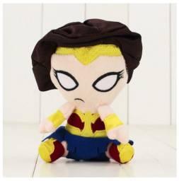 Mulher Maravilha Mini Pelúcia Liga Da Justiça 14cm Super Heroína