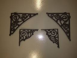 4 cantoneiras de ferro - Pares de dois tamanhos diferentes