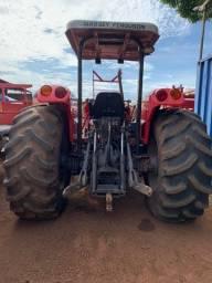 Vendo Trator Massey Ferguson 4292 4x4 ano 2011