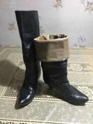 Botas Feminina de couro legítima C. Frio
