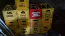 Vendo caixas e garrafas
