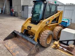 Mini Carregadeira Caterpillar 236 B3