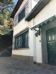 Casa à venda Mosela, Petrópolis 5 quartos(2 suítes)