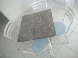 Mesa com pedra de mármore (a base já é fixa na pedra)