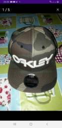 Vendo boné dá Oakley original nunca usado só uma vez