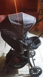 Vendo carrinho de bebê estilo Moisés,com bebê conforto