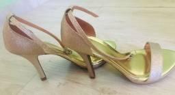 Sandália dourada - salto alto - Vizzano numeração 37