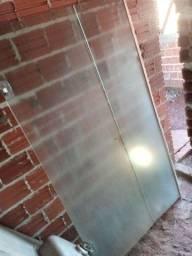 Box de vidro  ( 1 por 1,80  )