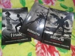 Livros Sussuro, Silencio e Finale - Série Hush Hush (Usados)
