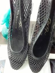 Sapato  telinha couro Maravilhoso de marca couro