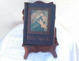 Bíblia Sagrada da Década de 70, com Suporte $149,90