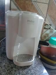 Um purificador de água natural e gelada