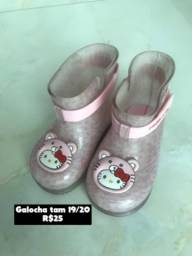 Título do anúncio: Sapato infantil Galocha e Mini Melissa