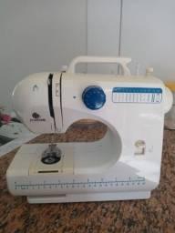 Máquina de costura Titanium
