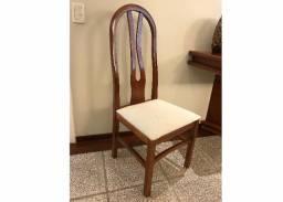 Cadeiras para sala de jantar em ótimo estado, em verniz alto brilho e madeira nobre